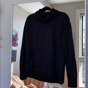 Long sleeve blackless yoga top